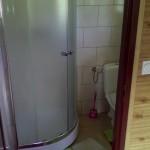łazienka w domku malinowym